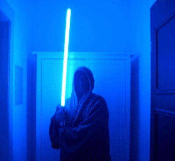 Was Ist Das Blaues Licht Und Was Macht Es Es Leuchtet Blau