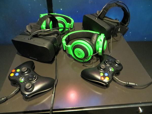 Hände, Ohren und jetz tauch Augen: Endlich ist das Gamer Equipment komplett.