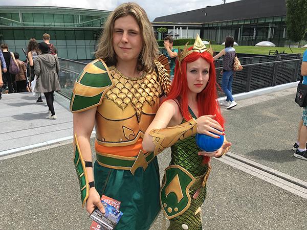 aquaman und woman cosplay