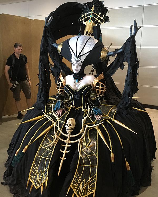 undead queen cosplay