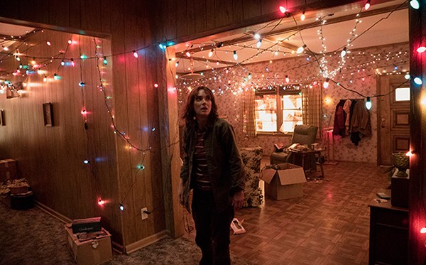 stranger-things-Winona Ryder